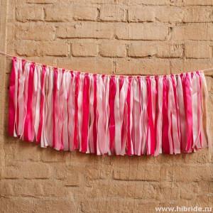 Розовая гирлянда