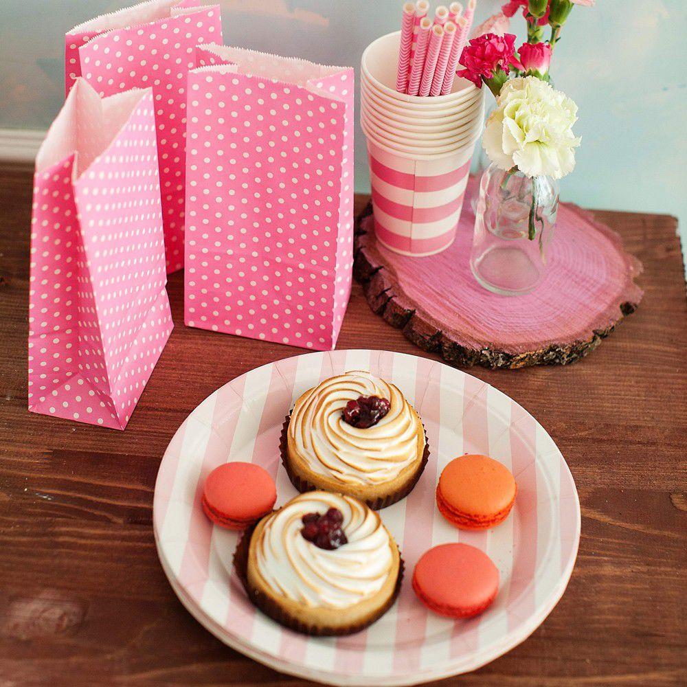 Тарелки бумажные (розовый)