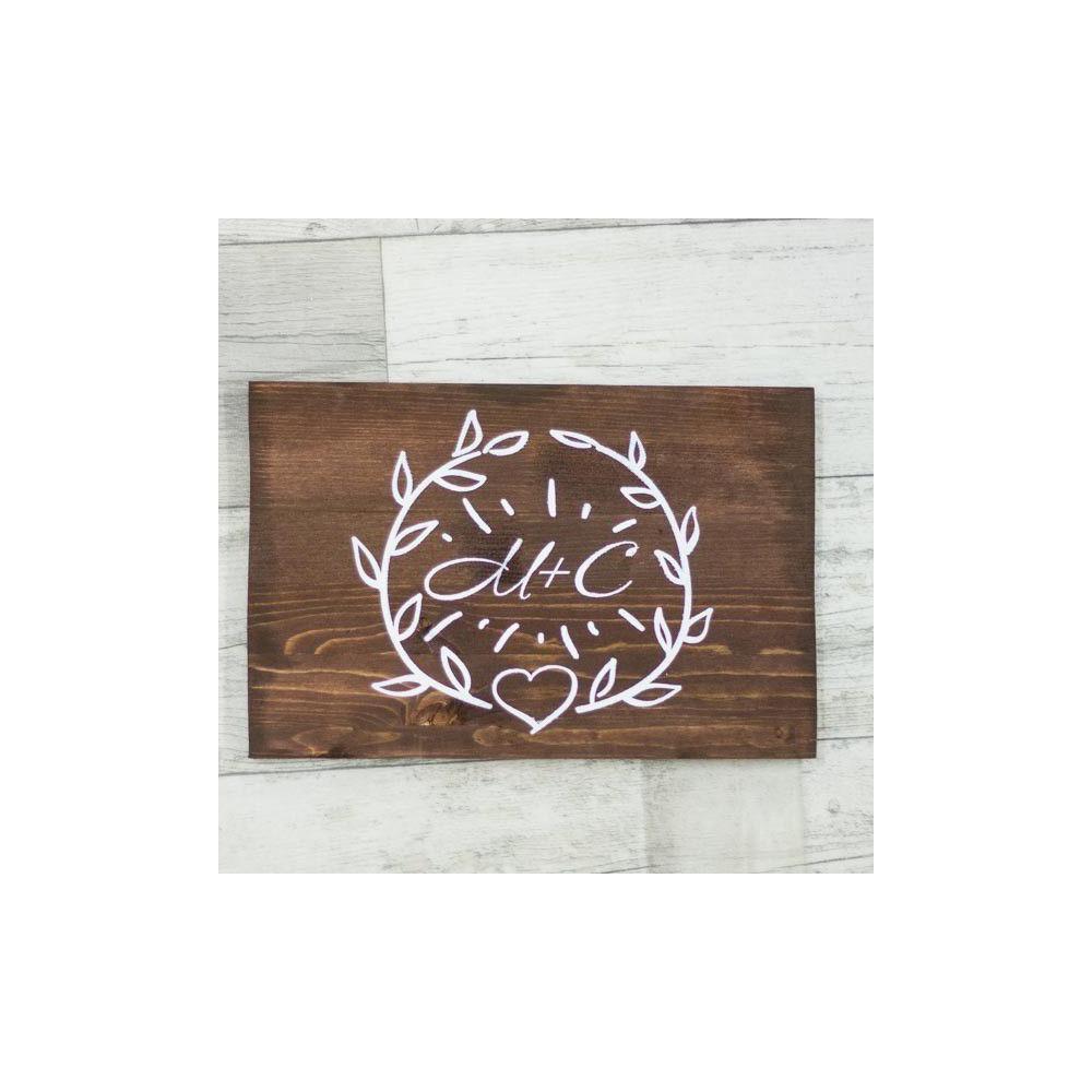Табличка из дерева с инициалами