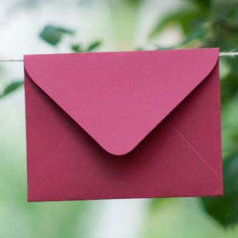 Красный - конверт для приглашения