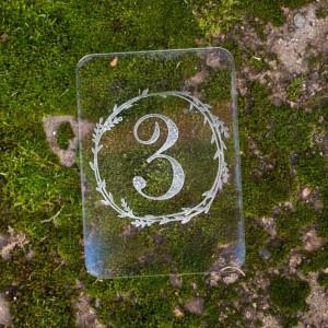Номерок на стол из прозрачного пластика