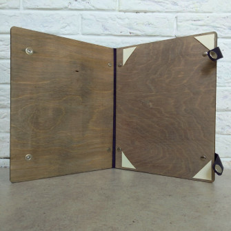 Папка для свидетельства с кожаным корешком и застежкой