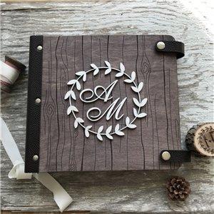Семейная летопись с монограммой- Деревянный свадебный фотоальбом