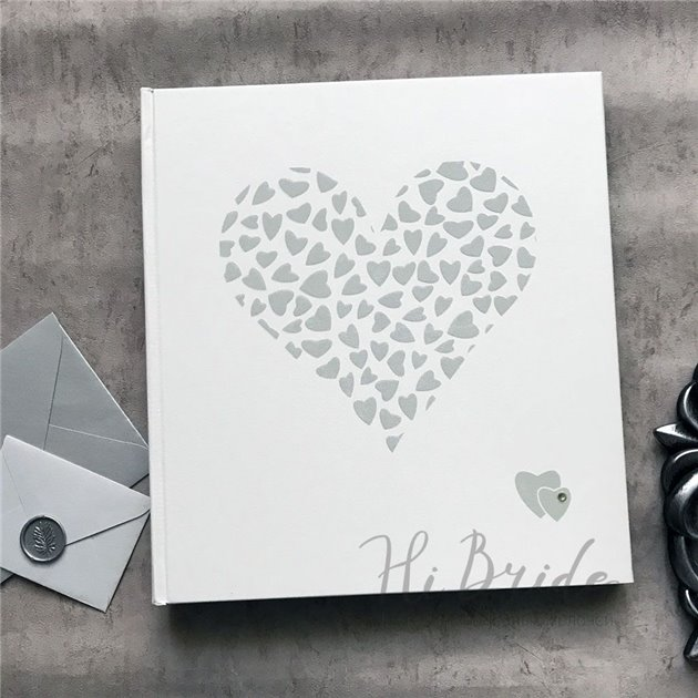 Свадебный фотоальбом с белыми листами