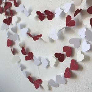 Гирлянда из сердечек красно-белая (5 метров)