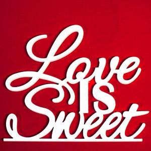 "Буквы на свадьбу - слово ""Love is sweet"""