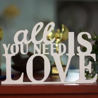 "Буквы на свадьбу - слово ""All you need is LOVE"""