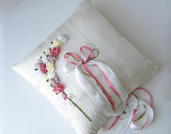 оригинальные подушечки для колец