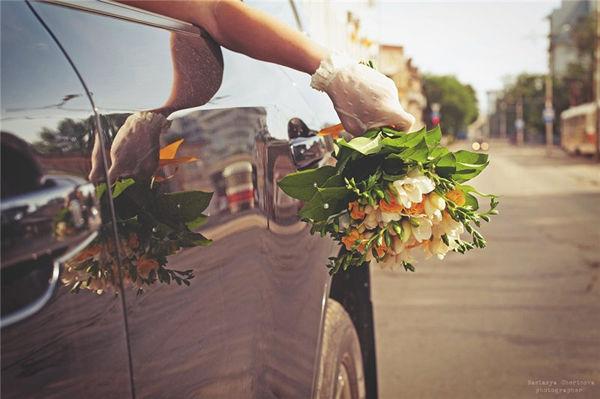 букет невесты с тульпанами