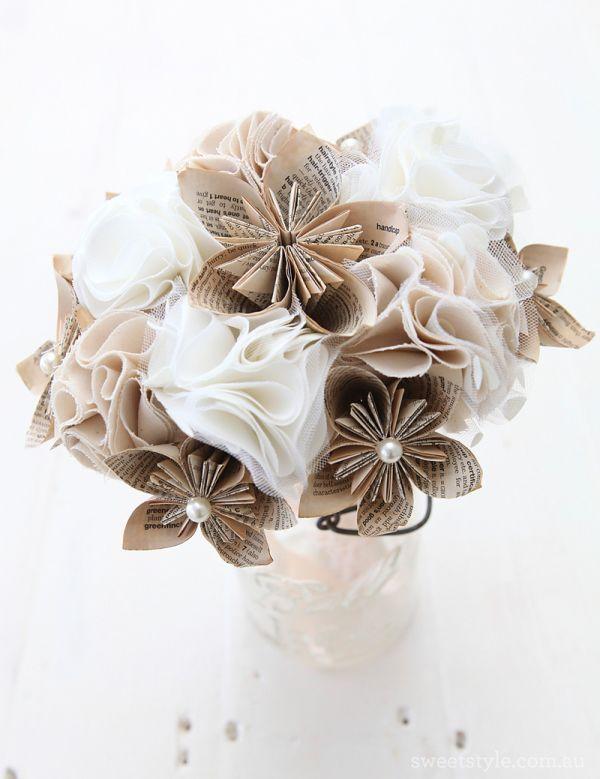 букет невесты из бумаги и ткани