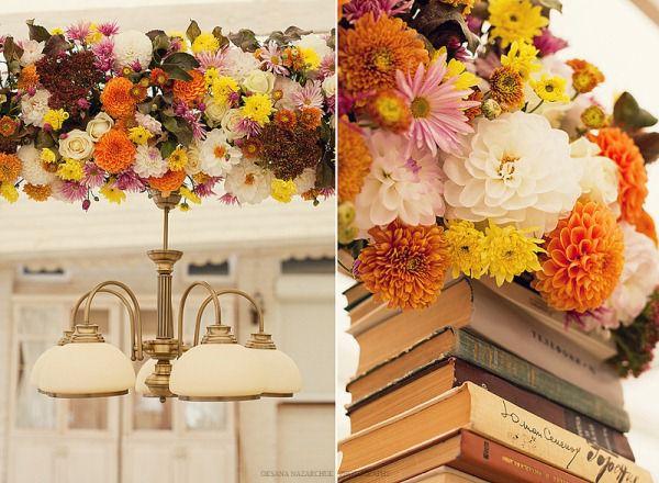 декор свадьбы цветами и книгами