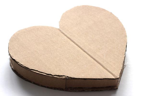 большое сердце из картона для фотосессии