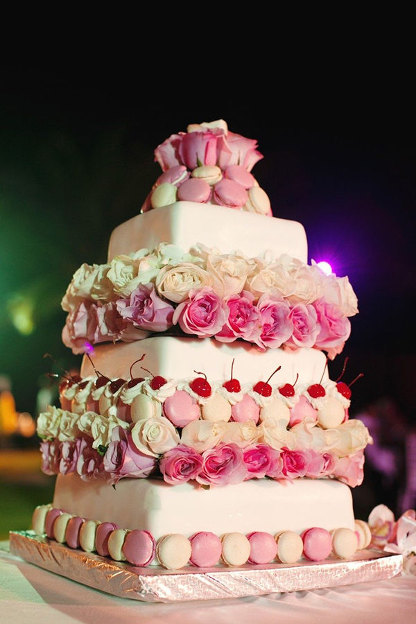 торт на свадьбу с макарунс