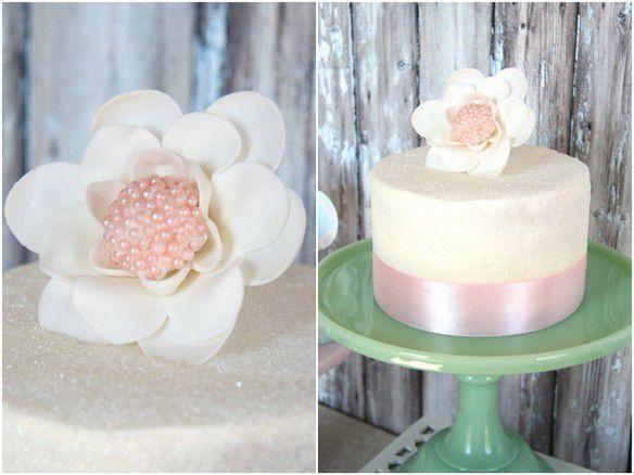 свадебный торт в пастельных тонах