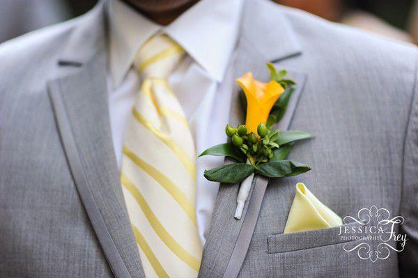 свадебные бутоньерки желтый