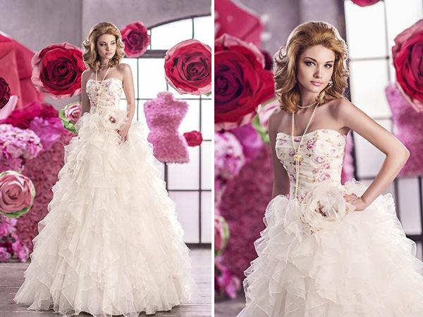 свадебное платье с цветком