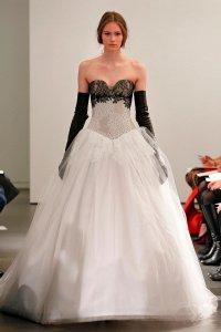 свадебные платья черные с белым