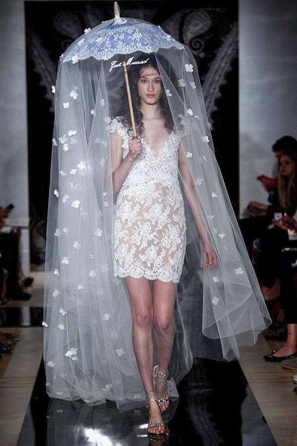 короткие свадебные кружевные платья