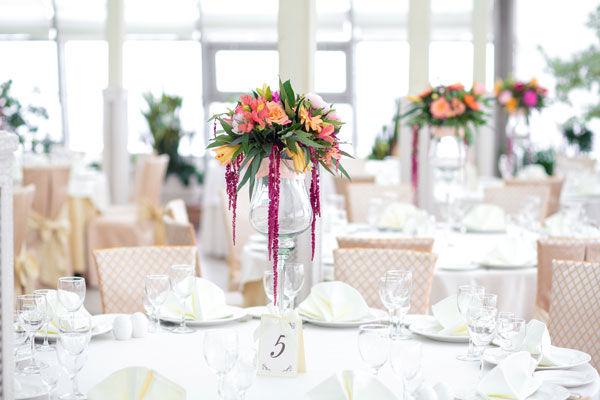цветочные композиции на свадебный стол