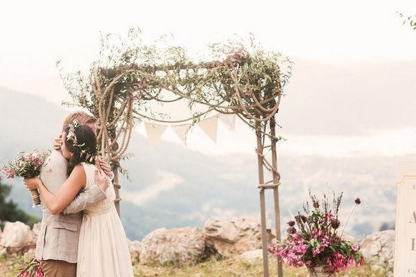 арка для выездной церемонии свадьбы