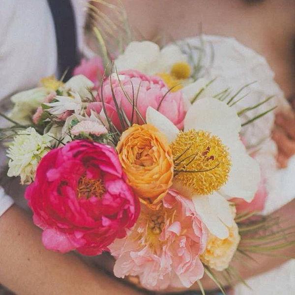 букет невесты из пионов фото