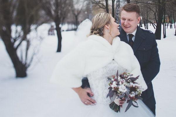 krasivaya-svadba-zimoj-rustikalnyj-uyut_15
