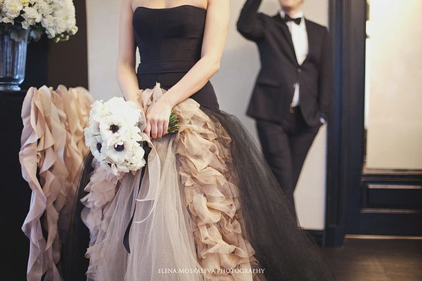 свадебное платье черное вера вонг