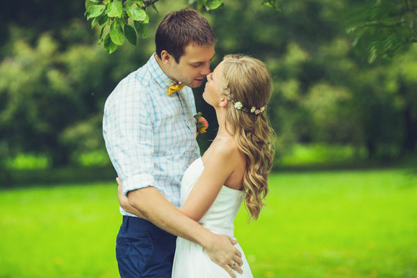 летняя свадебная фотосессия в парке