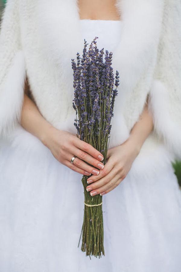 букет невесты лаванда