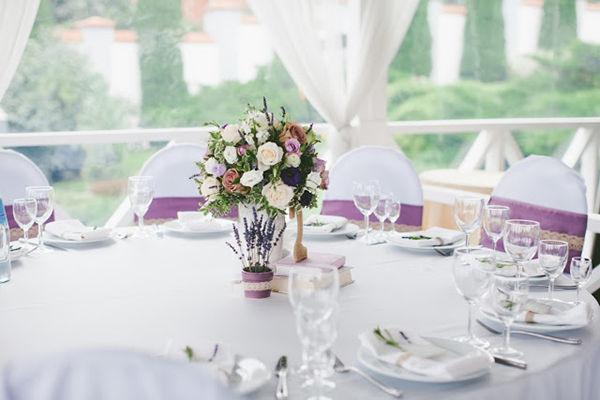 бело-сиреневая свадьба