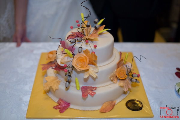 свадебный торт желтый с оранжевым