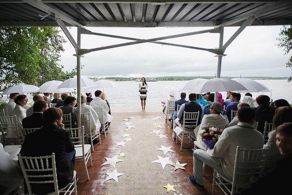 свадебная церемония на берегу