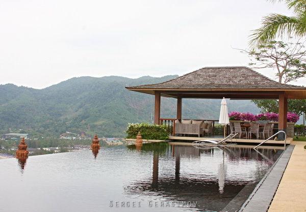 отель с бассейном в Таиланде