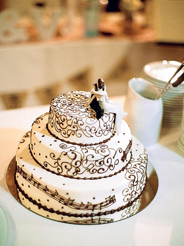 свадебные торт белый с черным