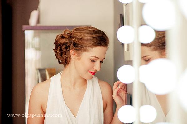 яркие губы на свадьбе