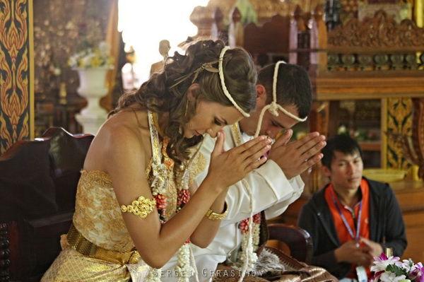 символическая свадебная церемония за границей