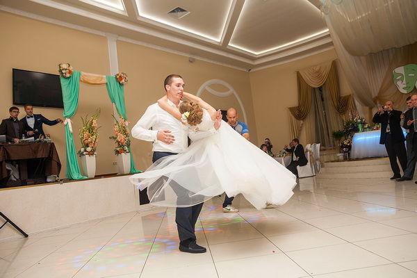 танец на свадьбе жениха и невесты