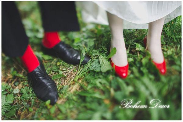 свадьба с красными акцентами