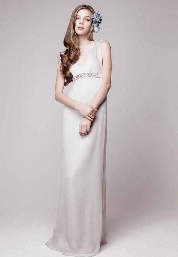 свадебные платья с V-образным вырезом