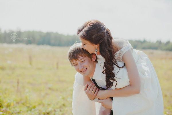 свадебная фотосессия летом в поле