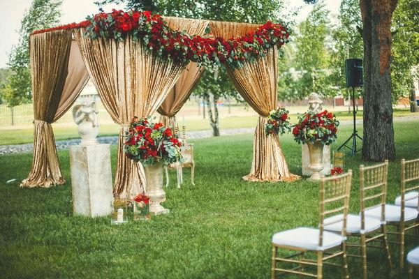 свадьба в красно золотом цвете