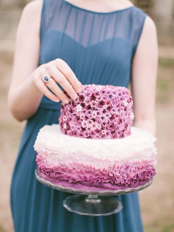 свадебный торт в нежных тонах