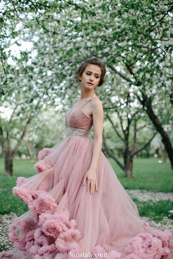 розовое платье невесты