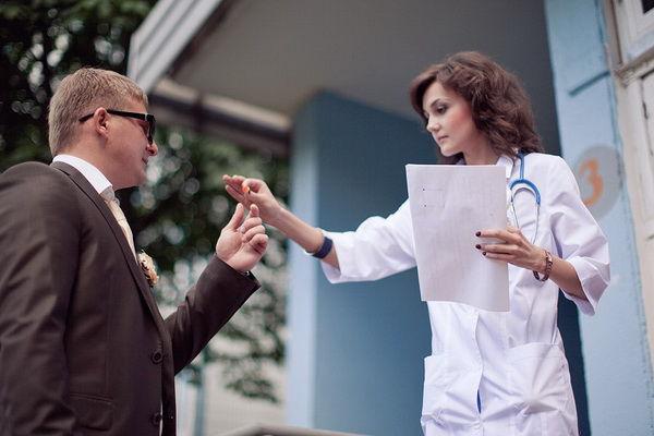 выкуп невесты в стиле больницы