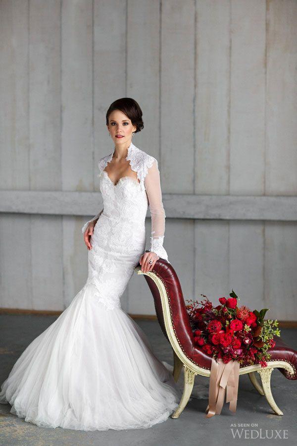 яркий красный на свадьбе