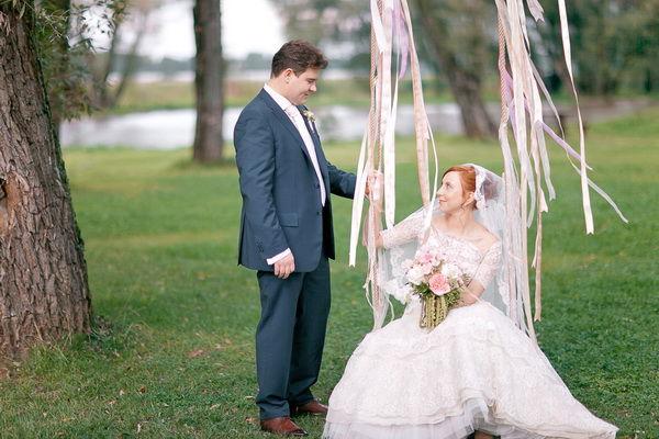 свадебная фотосессия с качелями