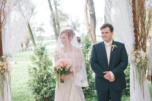 свадебная церемония на природе