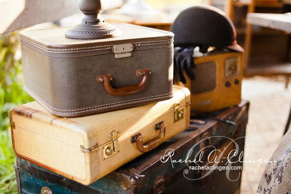 чемоданы на свадьбе