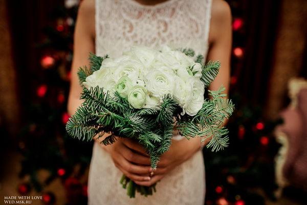 букет невесты ранункулюс