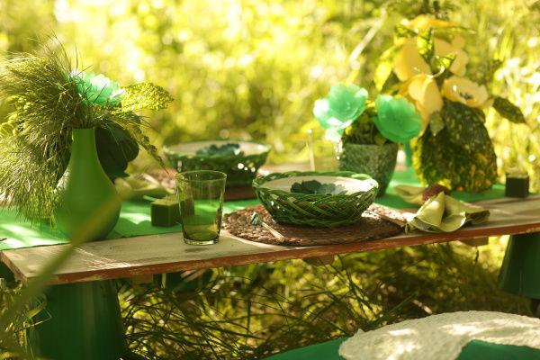 оформление стола в лесу